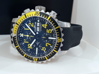 Fortis_Marinemaster_Chrono_Yellow_front1