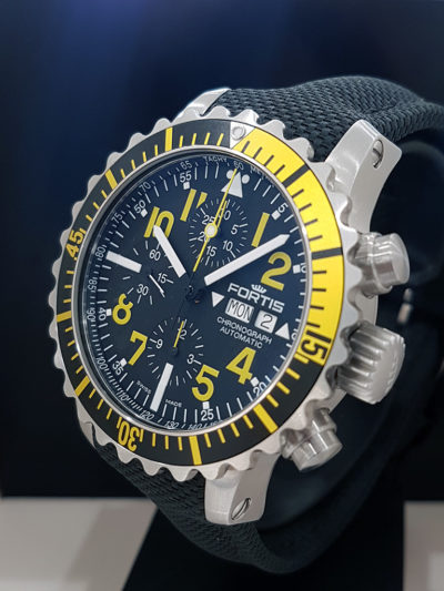 Fortis_Marinemaster_Chrono_Yellow_front2