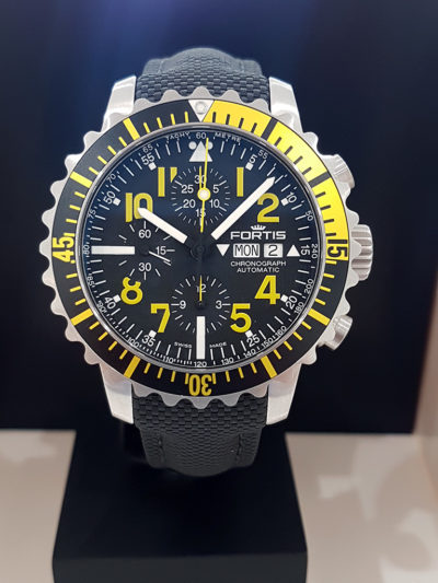 Fortis_Marinemaster_Chrono_Yellow_front3