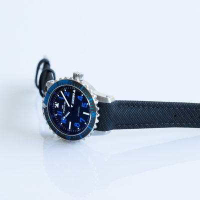 Fortis_Marinemaster_DayDate_Blue_side1