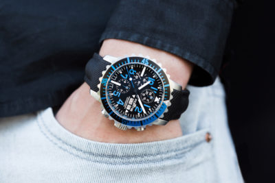 Fortis_Marinemaster_Chrono_Blue_wrist2