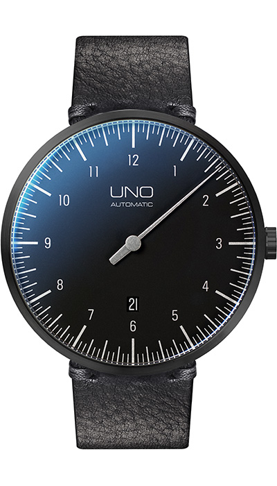 UNO Plus Automatic Carbon black edition