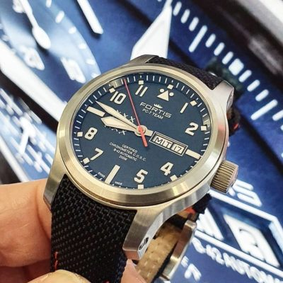 Aeromaster PC-7 Day Date