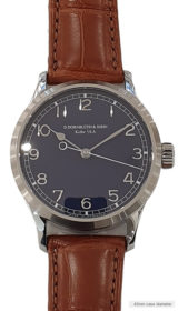 Center Second Navy Blue dial (applied indices)