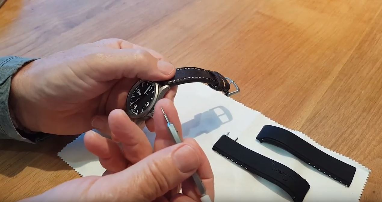 Videos: How to Change and Shorten a Sinn Silicone Band