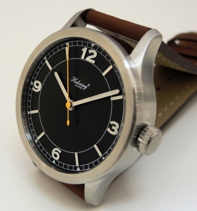 Jumping Second Pilot automatic black dial