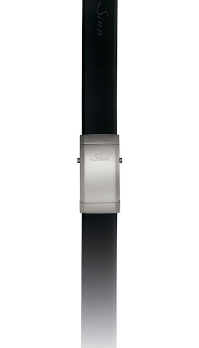 Silicone strap, case integration, large folding clasp (tegimented)